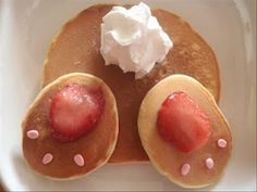 Cute little bunny bottom pancakes. These would be great for Easter Breakfast.  http://freesamples.us/