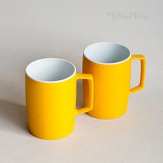 2 x Vintage Retro 1970s Yellow Melamine Melaware Mugs Cups Picnic by UpStagedVintage on Etsy