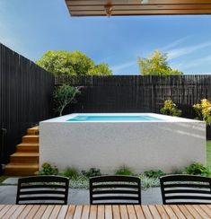 Spas on H A W T H O R N When space is at a premium a raised plunge pool just makes sense. My Pool, Swimming Pools Backyard, Swimming Pool Designs, Garden Pool, Backyard Landscaping, Garden Bed, Backyard Pool Designs, Small Backyard Patio, Modern Backyard