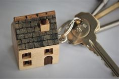 A cute looking, little wooden house keyring. These little wooden keyrings are made from a maple block of wood by approx. bringing the height of the pitched roof to approx. Wooden Car, Wooden House, New Home Gifts, Gifts Uk, House Keyring, Ridge Tiles, Walnut Doors, Moving Gifts, House Keys