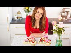 Mrkvový dort s karamelem a ovocem | Cat & Cook Alphabet Cake, Monogram Cake, Lindor, Biscuit Cake, Cake Videos, Cake Tutorial, Pavlova, Tart, Biscuits