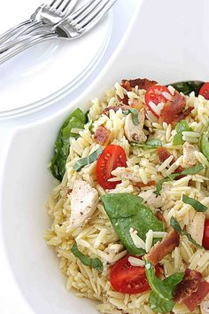 Bacon, chicken, and spinach pasta salad