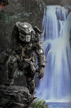 Predator by on DeviantArt Predator Cosplay, Predator Costume, Predator Helmet, Predator Movie, Alien Vs Predator, Les Aliens, Arte Sci Fi, Arte Dc Comics, Alien Art
