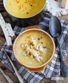 Receta de sopa de pescado con paprika. Receta con fotografías de cómo prepararla y recomendaciones de cómo servirla. Recetas de sopas