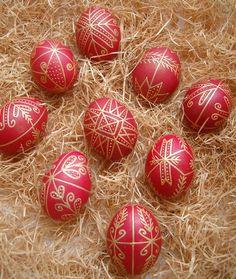 Tojásfestés A-tól Z-ig - Virágom, virágom Cool Diy Projects, Projects To Try, Ukrainian Easter Eggs, Egg Art, Hoppy Easter, Egg Decorating, Fort Ross, Easter Crafts, Painted Rocks
