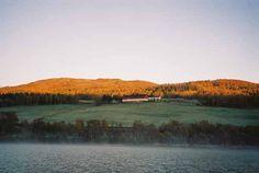 Lomundsjøen Mot garden Fredrikslia.