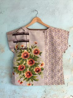 Excited to share this item from my shop: Upcycled Tea Towel Patchwork Women Top Shirt Linen Floral Autumn Warm Tan Orange Abstract Vintage Retro Medium Upcycled Vintage, Vintage Sewing, Vintage Tops, Sewing Clothes, Diy Clothes, Diy Fashion, Ideias Fashion, Coton Vintage, Recycled Fashion