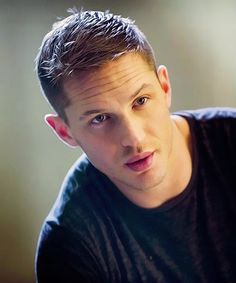 The English Actor Tom Hardy – 16 photos – Morably