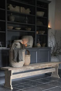 Charming House, Wabi Sabi, Home Design, Decoration, Interior Inspiration, Accent Decor, Woodworking Projects, Beautiful Homes, Sweet Home