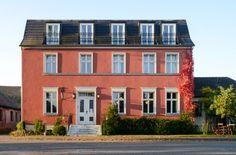 Fuchsbau - Ferienhaus. Der Fuchsbau im havelländischen Bahnitz bietet Platz für 14 Personen oder wie in unserem Fall für vier Familien.
