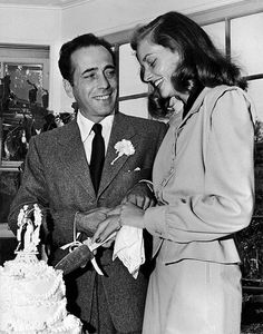 most legendary in Hollywood, and they tied the knot late in May of 1945 Humphrey Bogart & Lauren Bacall Old Hollywood Wedding, Hollywood Couples, Hollywood Icons, Golden Age Of Hollywood, Vintage Hollywood, Hollywood Stars, Classic Hollywood, Hollywood Sign, Humphrey Bogart