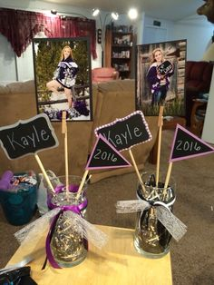 Cute Graduation Photo Centerpiece DIY