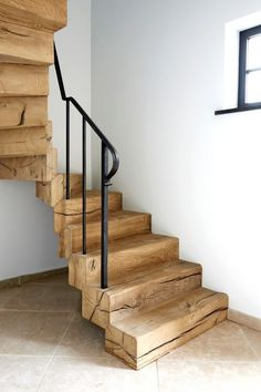 39 inspirierende ideen fur bemalte treppen paintedstairsideas staircase design stairs d - The world's most private search engine Escalier Art, Escalier Design, Rustic Stairs, Wooden Stairs, Rustic Wood, Stair Art, Stair Railing, Railing Ideas, Modern Staircase