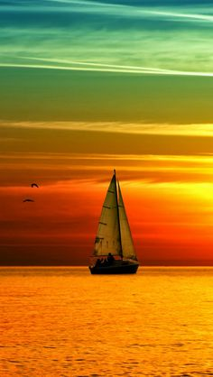 mit Segelboot im Meer am Sonnenuntergang The post mit Segelboot im Meer am Sonnenuntergang appeared Beautiful World, Beautiful Places, Beautiful Beautiful, Cool Pictures, Beautiful Pictures, Sunset Pictures, Nature Pictures, Beautiful Sunrise, Sunset Photography