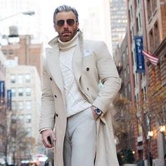 Men's Fall Outfit with a Coat and Turtleneck Male Fashion Trends, Mens Fashion, Stylish Men, Men Casual, Elegant Man, Sharp Dressed Man, Well Dressed, Gentleman Style, True Gentleman