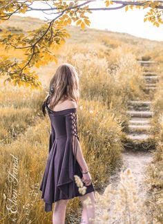 Robe de demoiselle Elven Forest Festival Dress Boho par ElvenForest Source by m_vink Faire Outfits, Boho Dress, Dress Up, Forest Festival, Mode Abaya, Mori Girl, Cool Outfits, Fashion Outfits, Festival Dress