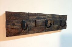 Rustic wall mount key rack, key holder entryway storage by TreetopWoodworks