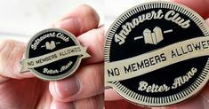 [TOPITRUC] Un pins pour les introvertis Pin, Accessories