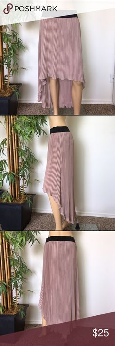 Pleated High Low Skirt size L Gently worn like new Pleated skirt size Large by Creative content Helmut Lang Skirts High Low