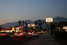 www.thecouponflyer.com  -  Temple City, CA : Looking north on Rosemead Boulevard