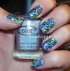 duckduckgander: yep! I've jumped on this bandwagon.. but with my own twist!! what a fun summer mani!