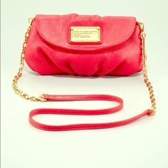 Marc Jacobs Crossbody purse Excellent condition. Two toned. Sold out in all retail stores Marc Jacobs Bags Crossbody Bags