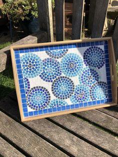 Mosaic Tray, Mirror Mosaic, Glass Mosaic Tiles, Mosaic Tables, Mosaic Designs, Mosaic Ideas, Spring Crafts For Kids, Kids Crafts, Mosaic Flower Pots