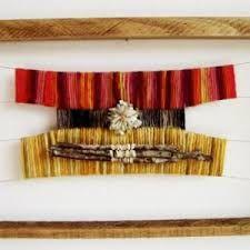 Imagen relacionada Textiles, Weaving Art, Panel, Tapestry, Frame, Home Decor, Maori, Weaving Looms, Bees