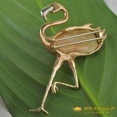 Flamingo brooch made of 37 carat conch pearl, 18K Pink, Yellow, White Gold, Fancy Yellow Diamond