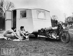 20 Vintage Photos That Show the Golden Age of Travel Trailers During the 1940s and 1950s