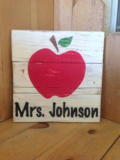 Teacher Pallet sign by FancifulShenanigans on Etsy Barn Wood Signs, Wood Pallet Signs, Pallet Art, Wooden Signs, Pallet Boards, Pallet Crafts, Vinyl Crafts, Pallet Projects, Teacher Appreciation Gifts