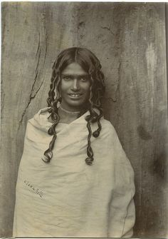Toda Woman, India, 1890sThe Toda people are a small pastoral community who live on the isolated Nilgiri plateau in Southern India. The Toda are renowned for their unlikeness to neighbouring tribes in appearance, manners, and customs.(courtesy of Old Indian Photos)