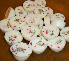 Bulk Mini Soy Tarts- made with organic soy wax and available in tons of scents~  www.crowsnestprimitiveshoppe.com Homemade Candles, Beeswax Candles, Wax Melts, Candle Making, Tarts, Organic, Sachets, Creative, Christmas