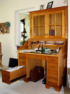 Roll Top Desk with top hutch