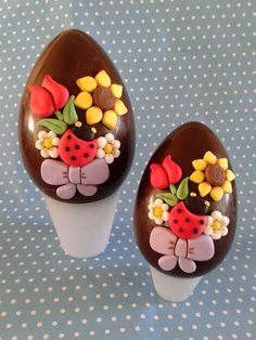 Help Out The Easter Bunny This Year And Fill Easter Baskets With Homemade Sweets And Candy Find Recipes For Chocolate Covered Eggs Lemon Fudge Marshmallow Treats Easter Chocolate, Chocolate Art, Easter Cupcakes, Easter Cookies, Easter Candy, Easter Eggs, Chocolates, Egg Cake, Easter Recipes