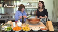 If the there's one thing every home cook should have in their arsenal, it's a good vinaigrette, chef Ina Garten says. She shares her recipe with the PBS News. Green Salad Recipes, Slaw Recipes, Salad Dressing Recipes, Salad Dressings, Food Network Recipes, Cooking Recipes, Cooking Videos, Mustard Vinaigrette Recipe, Classic Salad