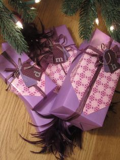 A LOVE TO SEE PURPLE CHRISTMAS WRAPPING PAPER !!!!