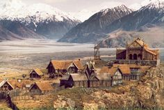 CANTERBURY, NZ: MT SUNDAY This stunning location in Canterbury is the backdrop for Edoras, the capital of Rohan. You can easily picture where the Edoras set was on top of Mt Sunday. Location: Canterbury, South Island