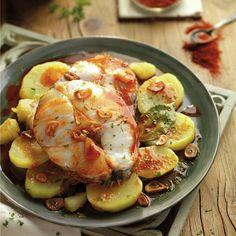 Merluza a la gallega con patatas - Wiggly Tutorial and Ideas Chicken Salad Recipes, Fish Recipes, Pescado Recipe, Tasty, Yummy Food, Savoury Dishes, I Foods, Potato Salad, Seafood