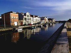 Double face at the channel... Aveiro - Portugal #AntonioMaia