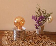 Cómo hacer una lámpara de mesa a partir de una lata