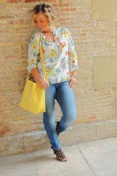 Angycloset, blog de moda logroño : FLOWERS, CURLS AND HEELS #kissmylook