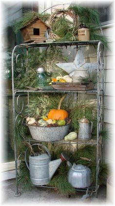 Would love to have this for porch nook to decorate with the seasons.