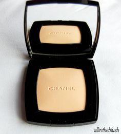 Chanel Poudre Universelle Compacte review