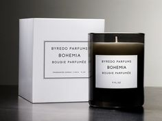 BOHEMIA  Fragranced Candle  Fragranced Candle/Bougie Parfumée   Burning time: 60h  Ingredients:  Top: Opapanax, rum  Heart: Geranium, labdanum, rosemary  Base: Vanilla, sandalwood, moss