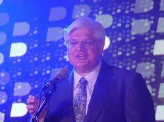 Mike Lazaridis, fundador de RIM, deja la empresa  http://www.genbeta.com/p/75355