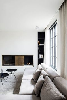 Awesome 48 Modern And Minimalist Living Room Design Ideas Interior Simple, Minimalist Interior, Minimalist Living, Minimalist Furniture, Minimalist Decor, Interior Exterior, Home Interior Design, Interior Architecture, My Living Room