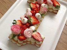 VÍKENDOVÉ PEČENÍ: Dort z křehkého těsta Panna Cotta, Cheesecake, Fruit Cakes, Ethnic Recipes, Pizza, Cupcakes, Food, Dulce De Leche, Cupcake Cakes