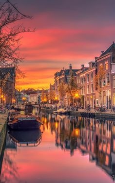 City Aesthetic, Travel Aesthetic, Sunset Photography, Travel Photography, Photography Ideas, Amsterdam Wallpaper, Europe Wallpaper, Places To Travel, Places To Go