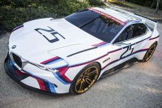 2015 BMW 30 CSL Hommage R front three quarters 02